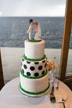 custom wedding cake with soccer theme | Rebecca Ellison Photography | www.rebeccaellison.com/blog