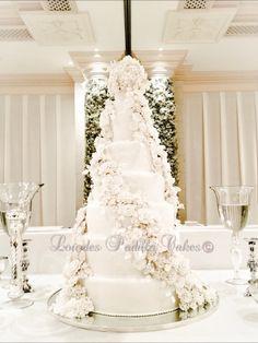 Winter Wonderland Luxury Cakes by Lourdes Padilla