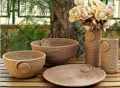 I Heart Organizing: A Darling DIY Rope Basket Jute Crafts, Diy Home Crafts, Diy Home Decor, Sisal, Art N Craft, Diy Art, Diy Para A Casa, Rope Decor, Rope Art