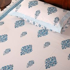 Bed Cover Design, Bed Design, Bed Sheet Painting Design, Fabric Painting, Linen Bedding, Bed Linen, Comforter, Pillow Covers Online, Kids Knitting Patterns