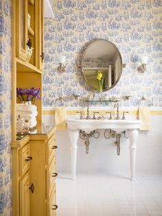 1000 images about toile bathroom on pinterest toile toile wallpaper and bathroom - Toile bathroom decor ...