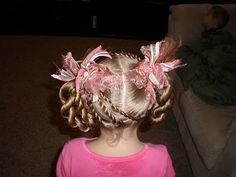 Twist Braid HairStyles: So easy, so fast, so cute! This was one of my go to hairstyles at the salon. :) ...(this blog is one of my VERY favorites for cute little girl styles -and doesnt her daughter have every mommy hairstylist's dream hair to work with?! haha)