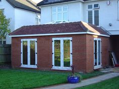 single storey double aspect rear extension with roof lantern Single Storey Extension, Roof Extension, Extension Ideas, Glass Extension, Shed Roof, House Roof, House Porch, Pergola Plans, Diy Pergola