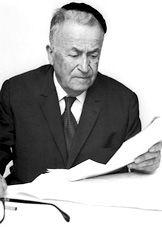 Shmuel Yosef Agnon., Israeli novelist, Nobel prize winner in literature 1985