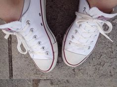 White converse.... I love them! <3
