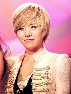 Sunny with short blonde hair #SNSD