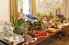 Hoje um dos eventos é da sócia do Buffet!! Fim de tarde delicioso por aqui!!! Thais, @vamosreceber, ajudou a organizar tudo! Flores @milplantas @marciosleme, impecável!! #hmmmmm #maravilhoso #instacatering #mesadedoces #GreccoCoppola #Greccocomemora #Grecconasuacasa #enaminhatambem #hh #aniversariodehoje #👏🏻👏🏻👏🏻👏🏻👏🏻