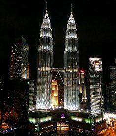 The impressive Petronas Tower, Kuala Lumpur, Malaysia