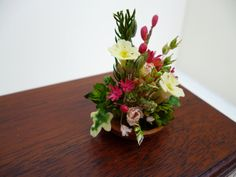 Items similar to Miniature Flower arrangement (one 12th scale) on Etsy