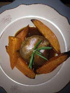 Bondiola de cerdo, con zanahorias dulces