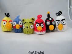Angry Birds egg cosies but make for eos Crochet Animal Patterns, Stuffed Animal Patterns, Crochet Patterns Amigurumi, Crochet Animals, Knitting Patterns, Crochet Easter, Cute Crochet, Knit Crochet, Angry Birds