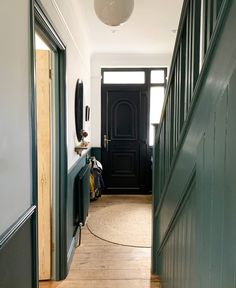 Five arguments we had during our house renovation – Apartment Apothecary Light Blue Walls, White Walls, Hallway Designs, Hallway Ideas, Hallway Inspiration, Staircase Ideas, White Hallway, Hallway Paint, Hallway Colours