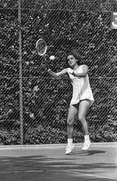 Evonne Goolagong Cawley, AO, MBE (born 31 July 1951) is an Australian former World No. 1 female tennis player. She was one of the world's leading players in the 1970s and early 1980s, when she won 14 Grand Slam titles: seven in singles (four Australian Open, two Wimbledon and one French Open), six in women's doubles, and one in mixed doubles. Her career win-loss percentage was 81.01% (704–165). Her win-loss performance in all Grand Slam singles tournaments was 82.09% (133–29), at the French…