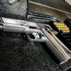 (2) Twitter Kimber 1911, Hand Guns, Twitter, 1911 Kimber, Firearms, Pistols