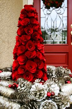 Christmas Quickie – The Front Door Christmas Topiary, Mini Christmas Tree, Christmas Porch, Outdoor Christmas Decorations, All Things Christmas, Winter Christmas, Christmas Lights, Christmas Wreaths, Christmas Crafts