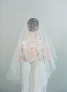 Stunning fingertip #veil | Photography: www.kissthegroom.com