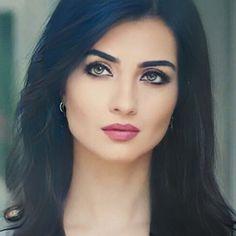 Cool Girl Pictures, Turkish Beauty, Turkish Actors, Short Hair Styles, Instagram Posts, Girls, Women, Actresses, Sweetie Belle