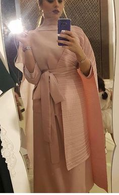 Arab Fashion, Weird Fashion, African Prom Dresses, Pakistani Dresses, Stylish Dresses, Fashion Dresses, Style Marocain, Formal Dresses With Sleeves, Kids Gown