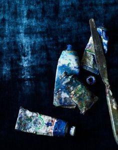 ♀ Thick blue paints