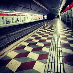 Metro de Barcelona, Urgell station