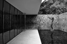 Barcelona Pavilion, Mies van der Rohe, 1929 - Sculpture: Georg Kolbe, Alba (Dawn)
