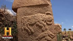Join us at AlienCon to see your favorite experts from Ancient Aliens! Ancient astronaut theorists believe that the approximately Gobekli Tepe. Alien Artifacts, Dreams And Visions, Season 12, Ancient Aliens, Mount Rushmore, Egypt, Fun Facts, The Past, Explore