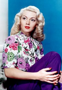Lana Turner was a striking beauty who wasn't afraid to wear colour and stand out. Polished and well turned out, this lady is an ultimate style beauty. #styleicon #glamour #retro