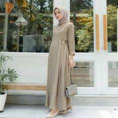 Street Hijab Fashion, Muslim Fashion, Modest Fashion, Fashion Dresses, Modest Dresses, Modest Outfits, Dress Outfits, Muslim Long Dress, Dress With Shawl