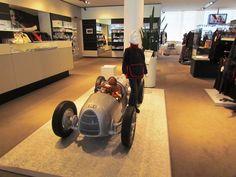 Loja de Souveniers na Audi Forum - Ingostadt - Alemanha - saiba mais lendo o artigo