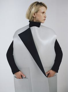 Sculptural Fashion - minimalistic tailoring with precise cut & oversized silhouette // Diani Diaz