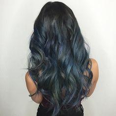 Waves of Blues 🌊🐳🐬🐟 on the beautiful @thenicoleleigh 💙 Hair: @_rosiegold #RedefinedByRosie