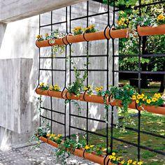 Quintais pequenos cheios de inspirações para você aproveitar   Pesquisa de Mercado Arquitrecos: Jardins Verticais