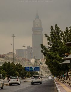 Oh gosh, when u see the clock tower, eyes aching to see the Ka'aba
