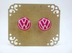 Boucles d'oreilles Pink VW Volkswagen Stud Post Earrings- Jewelry  these kind of stickers (not in pink, though) can be found in local car-stuff store