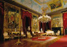 Fotografia da Sala do Despacho do Palácio da Ajuda BLUE CEILING RED CURTAINS
