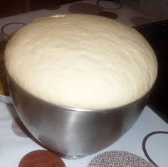 Primary dough for a number of recipes (pizza, turnovers, bread for sandwiches, donuts) Pizza Recipes, My Recipes, Cooking Recipes, Favorite Recipes, Cooking Bread, Cooking Chef, Kitchen Aid Artisan, Snacks, Bakery