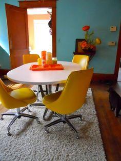 vintage dining set, my place...60s feather flower arrangement