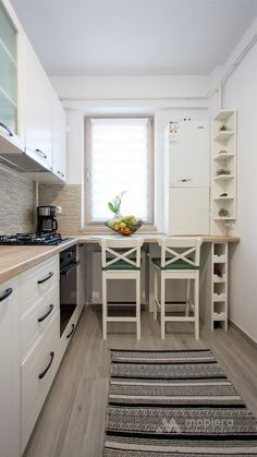 30 Surprising Small Kitchen Design Ideas and Decor You Have To See # Modern Kitchen Cabinets Decor Design Ideas Kitchen small Surprising Kitchen Ikea, Wooden Kitchen, Rustic Kitchen, Kitchen Decor, Kitchen Cabinets, Kitchen Small, Kitchen Modern, Kitchen Interior, Cuisines Diy