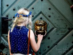 Miłość nie polega na tym, aby wzajemnie sobie się przyglądać, lecz aby patrzeć razem w tym samym kierunku.   ~Antoine de Saint-Exupéry – Mały Książę  modelka: *Nana* fb: Zuzanna Rokwisz - fotografia  Zapraszam na darmowe sesje!
