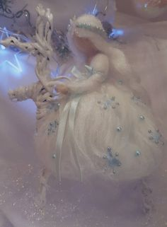 Snow fairy in carded wool hushed with Waldorf-inspired needle - Snow Fairy Waldorf inspired needle felted woolen Wet Felting, Needle Felting, Snow Fairy, Winter Fairy, Felt Angel, Wool Dolls, Waldorf Crafts, Felt Fairy, Felt Patterns