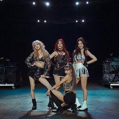 Divas, Kim Jennie, Blackpink Debut, Black Pink Kpop, Blackpink Members, Blackpink Photos, Blackpink Fashion, Blackpink Jisoo, Kpop Outfits