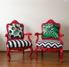 $1950 pour 1 aile chaise. $3800 pour 2pairs. 40 % des ventes pour l'été 1170 $ pour 1 aile chaise 2 280 $ pour 2pairs Ces chaises vintages d'aile se trouvent quand ils sont de 80 ans et recouverts de tissus orientaux très précieux. Année : années 1910 Origine : Français Matière :