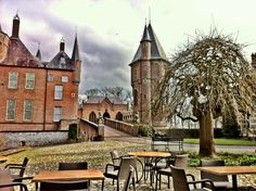 Like a painting the castle of Heeswijk