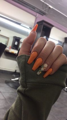 The Most Beautiful Orange Nail Designs for Summer – Page 8 of 20 - Summer Nail Purple Ideen Cute Acrylic Nails, Acrylic Nail Designs, Coffin Nails, Gel Nails, Glitter Nails, Uñas Jamberry, Orange Nail Designs, Thanksgiving Nails, Dope Nails