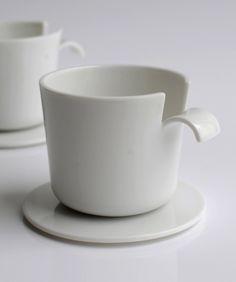 """""""café pelé"""" by Julie Pfligersdorffer / """" Le projet provoque un questionnement sur le matériau et ses qualités. La matière est découpée et pliée comme s'il s'agissait d'une feuille de papier. Cette image déroutante invoque l'imaginaire et joue sur nos certitudes."""""""