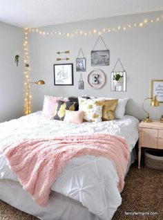 Teenage girl room ideas pink stylish teen girls bedroom idea need some teen bedroom ideas for girls check out different cheap and more expensive decorations Bedroom Ideas For Teen Girls Diy, Girl Bedroom Designs, Room Ideas Bedroom, Teen Girl Bedrooms, Trendy Bedroom, Dream Bedroom, Home Decor Bedroom, Modern Bedroom, Small Room Bedroom