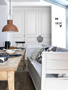 Hege in France: Small living by Kim Timmerman Same lamp, different view for dining area/ bookcase office. Small Living, Home And Living, Living Spaces, Dining Room Design, Dining Area, Dining Table, Dining Room Lighting, Home And Deco, Interiores Design
