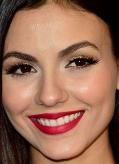 Close-up of Victoria Justice at the 2016 InStyle & Warner Bros. Golden Globes After-Party. http://beautyeditor.ca/2016/01/15/golden-globes-after-parties-2016