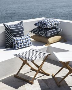 Light Weight Aluminum Band Patio Area Furnishings for the Poolside – Outdoor Patio Decor Old Chairs, Deck Chairs, Furniture Logo, Steel Furniture, Furniture Stores, Camping Stool, Outdoor Pillow Covers, White Sofas, Outdoor Furniture Sets