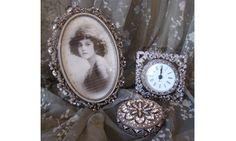 Cadre, pendule, et boite de chez Jeanne d'Arc Living http://www.perledelumieres.com/#!product/prd1/3214564751/lot-de-no%C3%ABl-jeanne-d'arc-living-scintillant